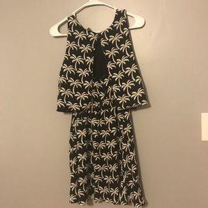Dresses - Black dress white palm tree
